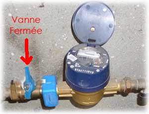 Pour remplacer un robinet, il est indispensable de vérifier la vanne compteur en position fermée